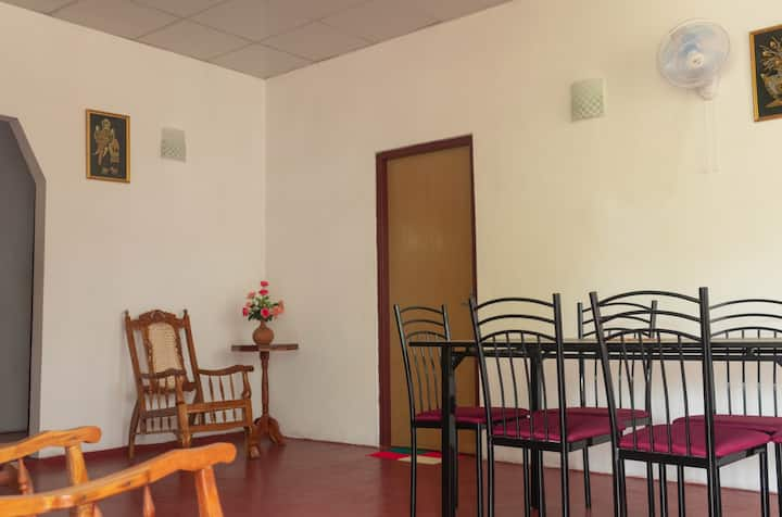 Charming 3-Bed Apartment in Unawatuna by Main Road