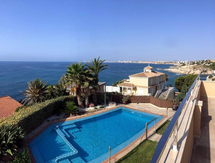 Luxury beachfront villa in El Campello.