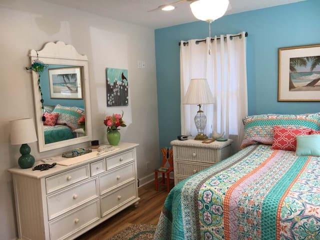 Front Downstairs Queen Bedroom