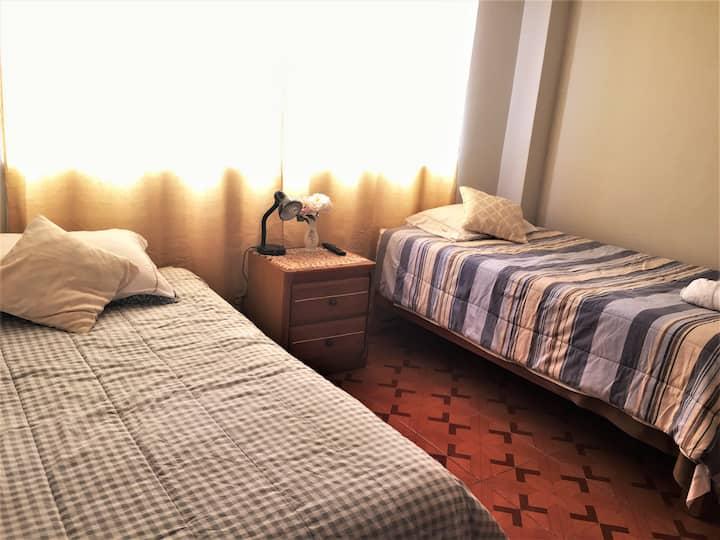 Acogedora y cómoda habitación doble+ frigobar+wifi
