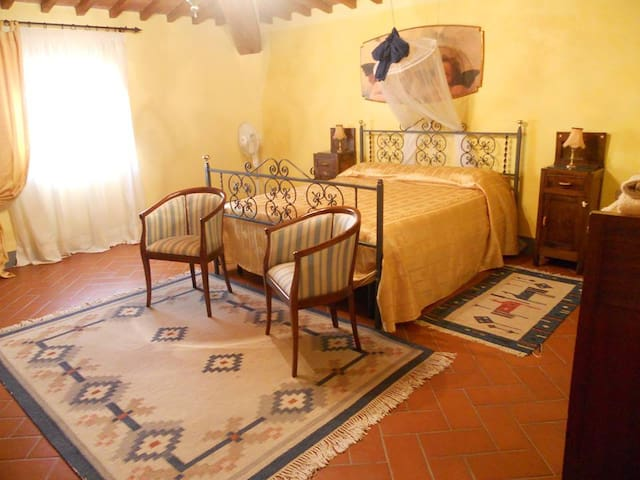 Rooms in the attic-Camere in mansarda - Montespertoli
