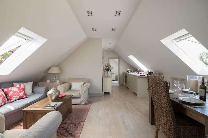 The Loft near Calne - Spirthill - Outro