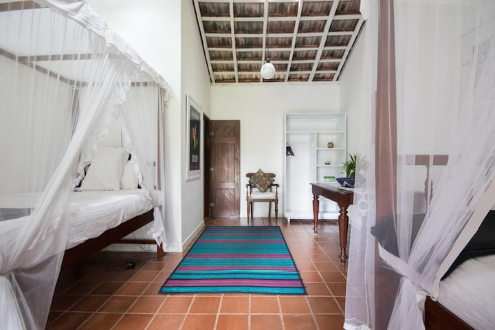 Galle Private Cottage - a Nature and Garden Stay!