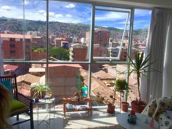 Sunny Apartment with Amazing Panoramic Views 1