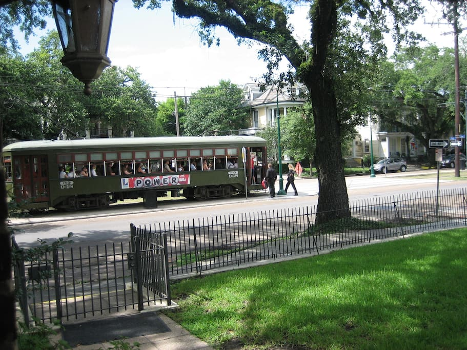 St Charles Avenue Streetcar Line Garden District Houses For Rent In New Orleans Louisiana