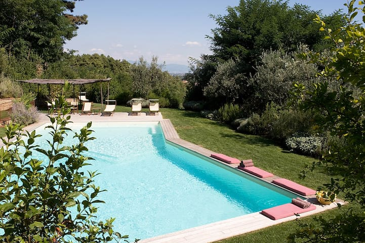 Podere Toscana, Your Exclusive Villa In Tuscany