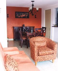 Bonita habitación en Penthouse cerca V.W., UDLAP. - San Andrés Cholula