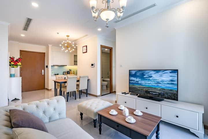 Vinhomes Central Park 1 BR,nice furniture&view