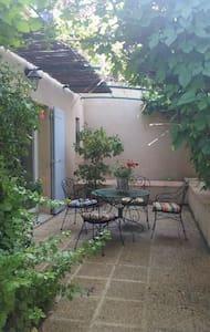 chambre à louer Provence Cévennes - Vénéjan