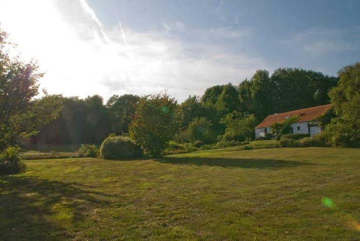 Diests landgoed midden in de natuur - Diest - House