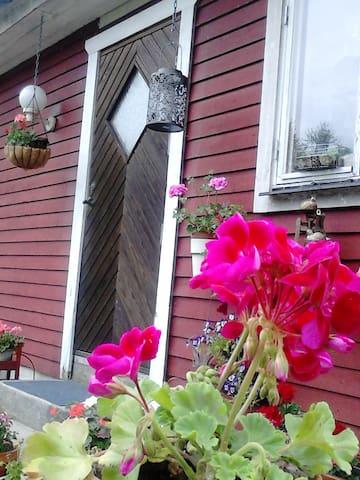 HULTA - Veddige - House
