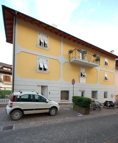 Cà dei Trenti ( Appartamento 1 )  - Baselga di Piné - Daire