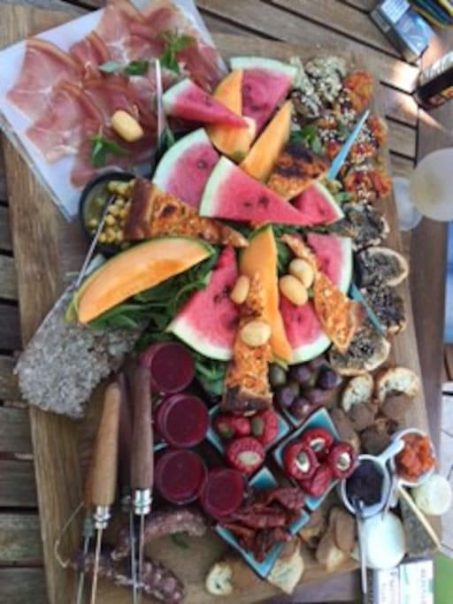 Plateau fraicheur et produits locaux d'un des restaurants de Collobrieres