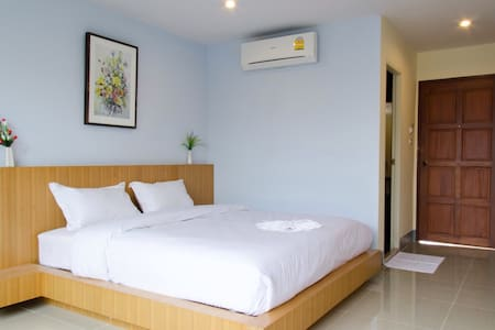 Slow life in the central of sisaket - เมืองใต้ - Bed & Breakfast