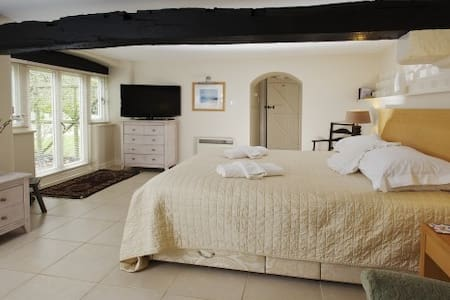 2 bed cottage with period features - Casa