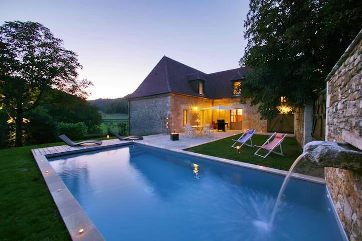 Demeure LA FORGE, piscine chauffée, idyllique