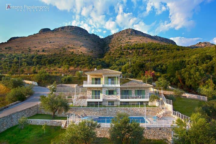 Petra & Thalassa - Πλαταριά - House