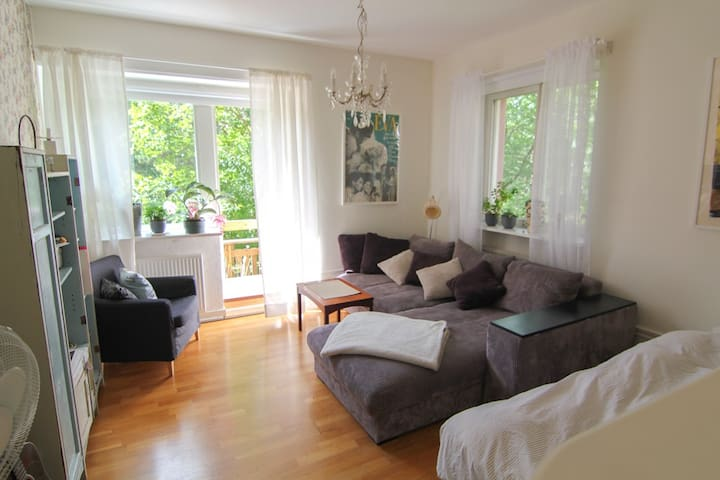 Charming, rural apt near Södermalm