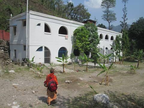 Samarpan School of Yoga (Limpieza y calma)