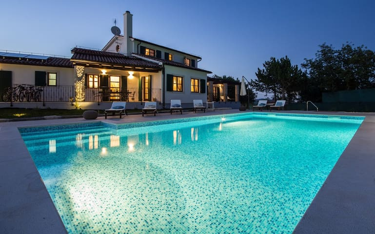 New modern Villa Adriana with private pool - Hrboki - 別墅