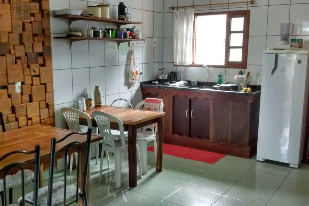 cozinha e parte da sala