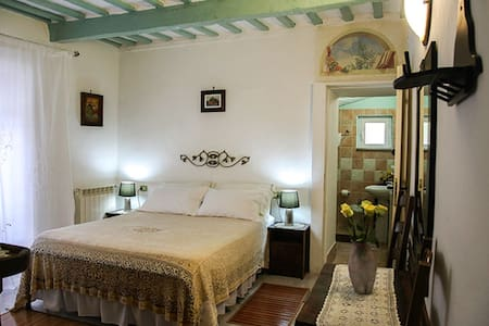 Bed&Breakfast NATALIA camera tripla - Gualdo Tadino