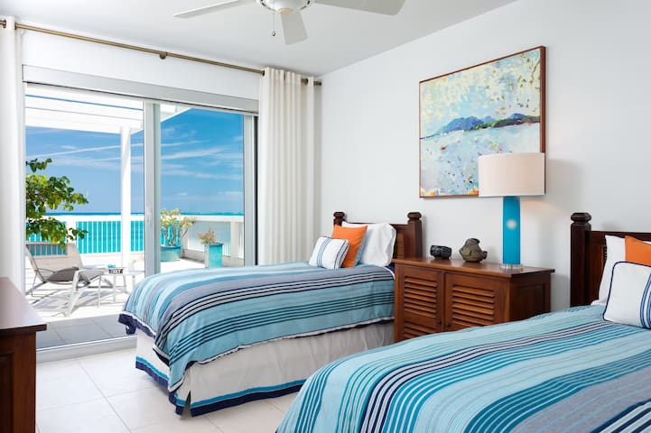 Luxurious Penthouse: Stunning Views - Providenciales - Apartemen