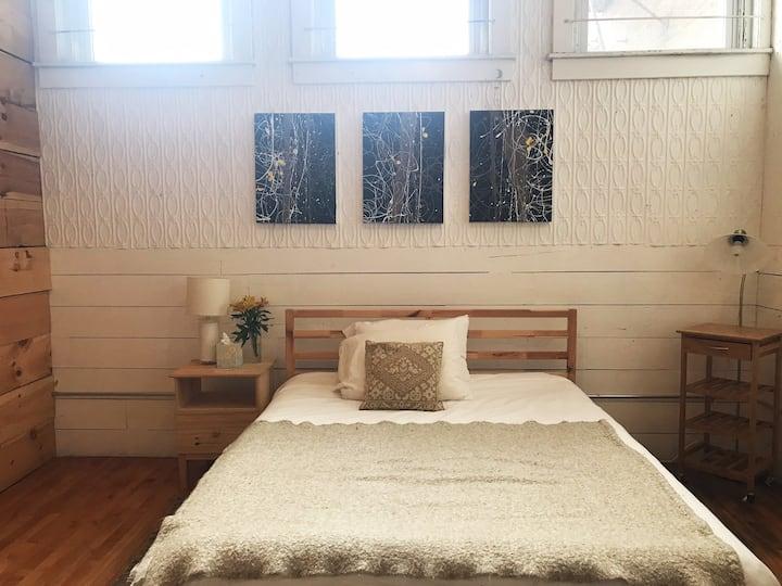 STAY at Sunny Loft/Studio