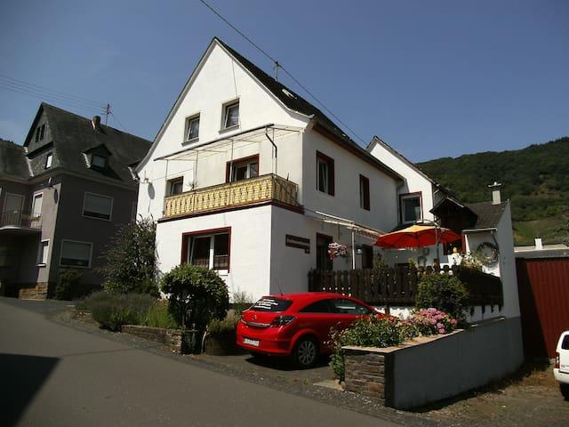 Ferienwohnung Sonnenschein - Bremm - Wohnung