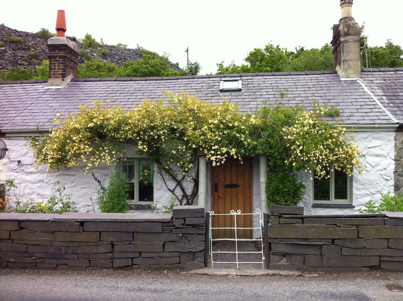 Traditional quarrymans cottage. Full of charm and character