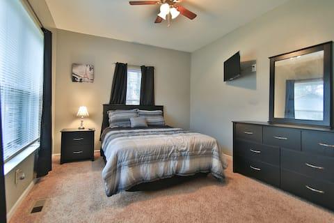 Atlanta area Bedroom with shared bathroom, Room #1