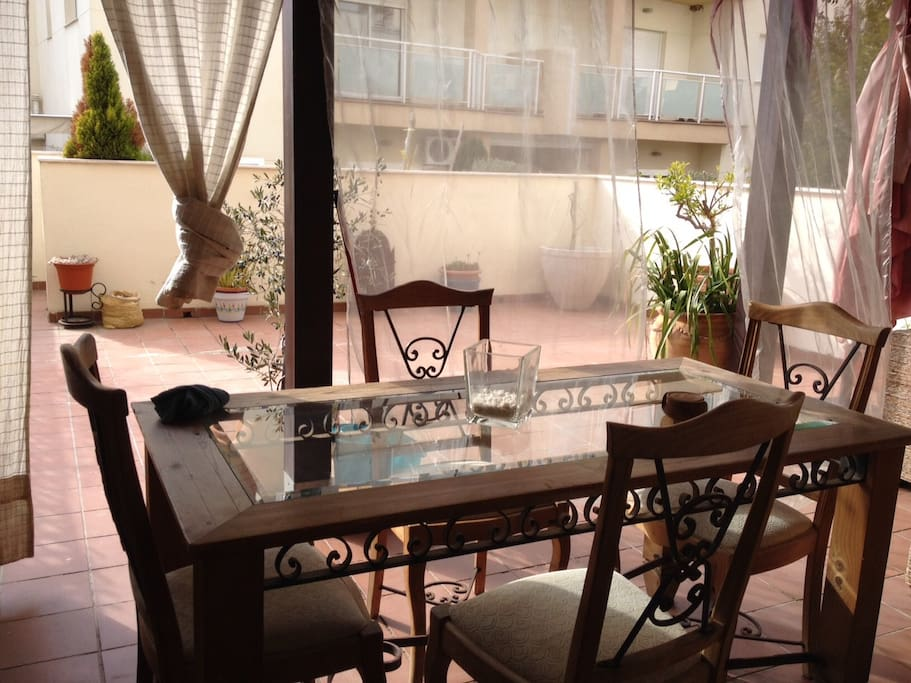 enjoy a meal in an unforgettable and comfy atmosphere