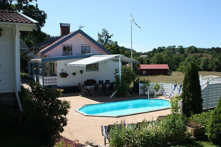 Villa Helena B&B,  Adults Only - Henån - Oda + Kahvaltı