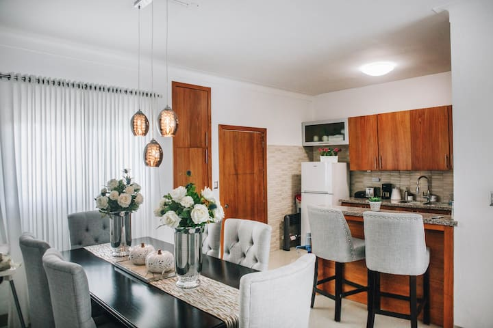 Luxury Central and Quiet apartment 3/BR