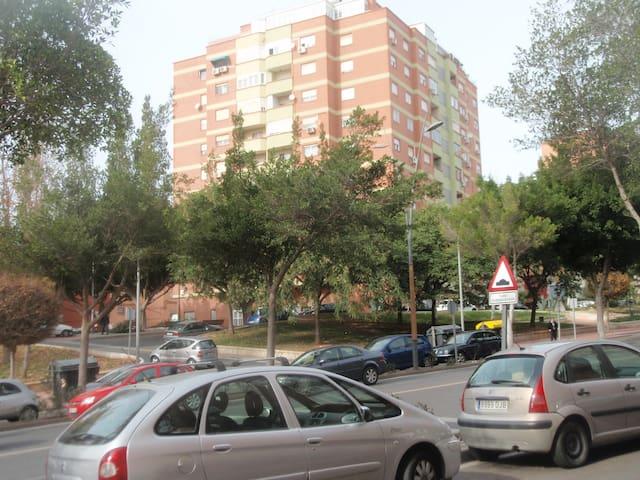 Piso con excelentes vistas - Almería - Apartemen