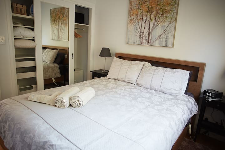 Cosy Bedrooms with all the mod cons to keep you comfy and warm. Electric blankets, blue toothed alarm clock speaker and wireless/cable phone charger, wall fans and extra blanket