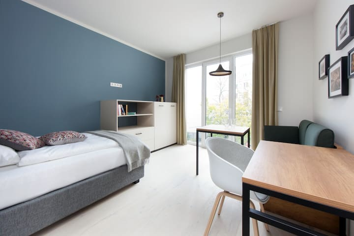 """Brera """"Comfy"""" Apartment - Your Mid Stay Rate"""
