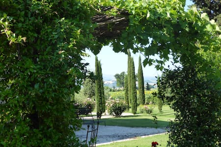 La Casa degli Amori Beautiful B & B - Treia - Bed & Breakfast
