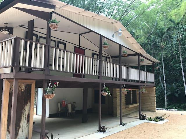 La Casa del Rio Natural Retreat & Campground