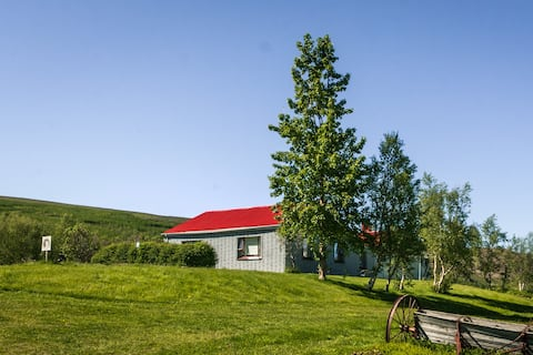 Peaceful accommodation only 16 km from Akureyri