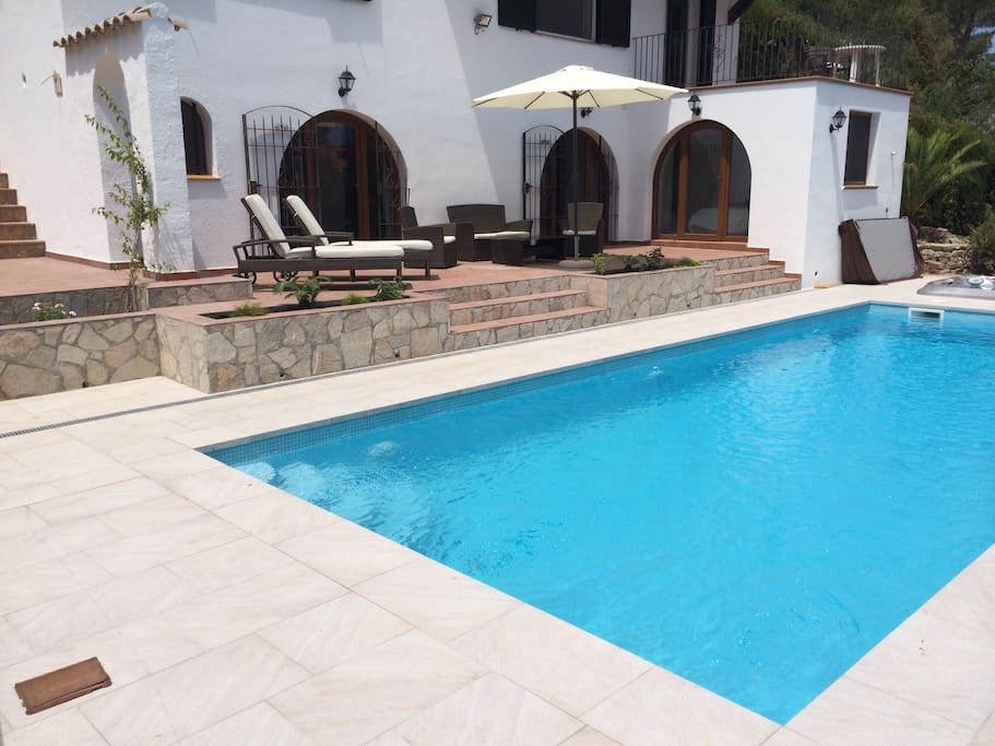 Pool with guest suite