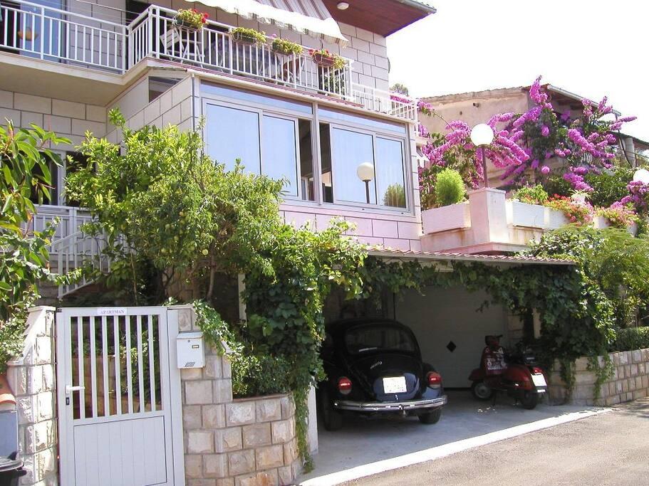 Street view of Palma apartments