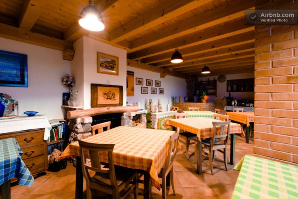 Camera degli sposi appartamenti in affitto a brentino for Appartamenti in affitto a belluno arredati