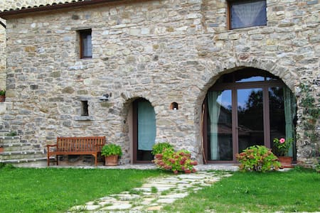 Rustic stone house in the Romagna - Pennabilli