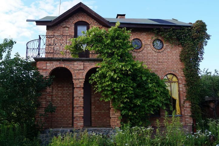 Дом с баней, 10 км от Минска - Papiernia - บ้าน