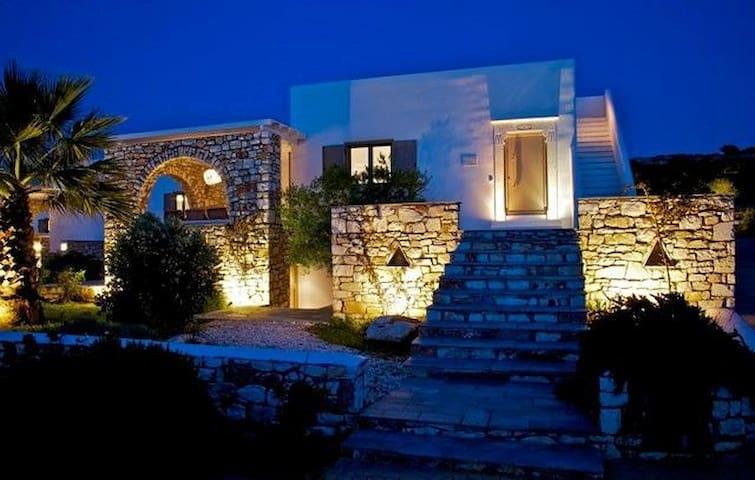 GRMGPAR402- Seaview villa Paros 100mt to the beach - Paros - Villa