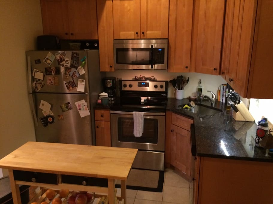 Full kitchen with dishwasher