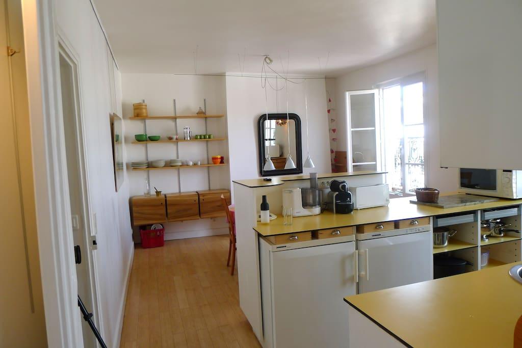 Kitchen & diner room.