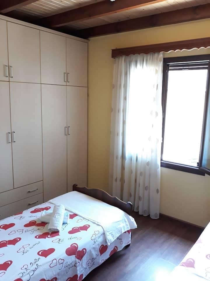 Twin room with shared bathroom Villa 97