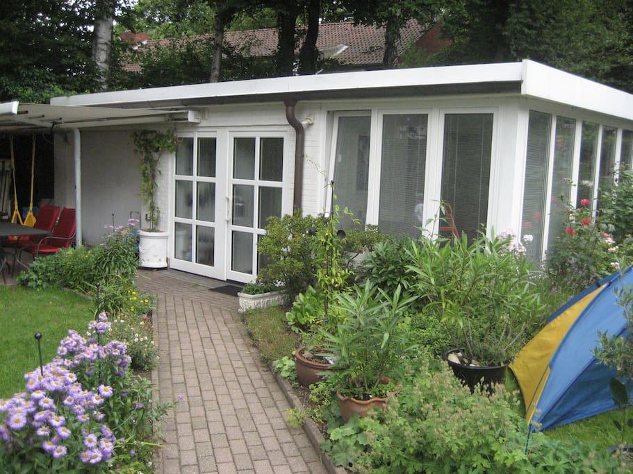 gem tlicher 1 zimmer bungalow 40qm apartments for rent in hamburg hamburg germany. Black Bedroom Furniture Sets. Home Design Ideas